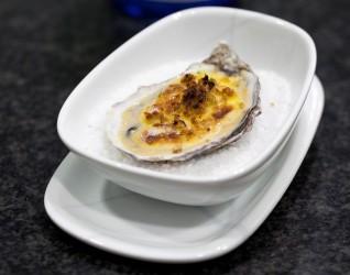 Gratinated Gillardeau oyster - Gratinated Gillardeau oyster, miso & wild garlic